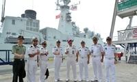 中国海军2艘军舰抵达马来西亚 将和马军联演
