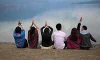 四女二男在泸沽湖追寻梦想,网友:除了戴帽子的女子其他都好看