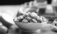 每日吃些坚果提升认知60%
