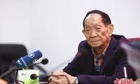 """德国媒体采访""""杂交水稻之父"""" 袁隆平畅谈""""禾下乘凉梦"""""""