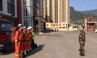 四川宜宾发生5.7级地震 多地消防队员赶往现场救援