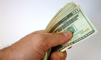 每月白发3000块!FB联合创始人争取为穷人谋福利